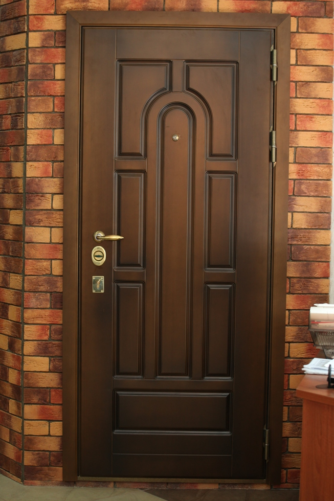 заказ входной металлической двери в дом