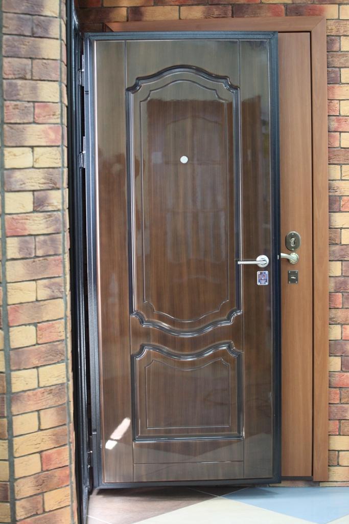 двери металлические входные для частного дома оптима